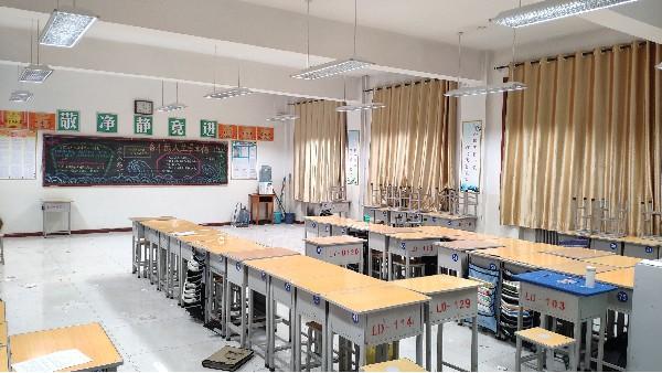 """近视超6亿上热搜!教室照明改造只是""""新灯换旧灯""""?"""