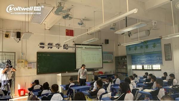 华辉教育照明示范教室又上电视新闻啦——助力青少年近视防控