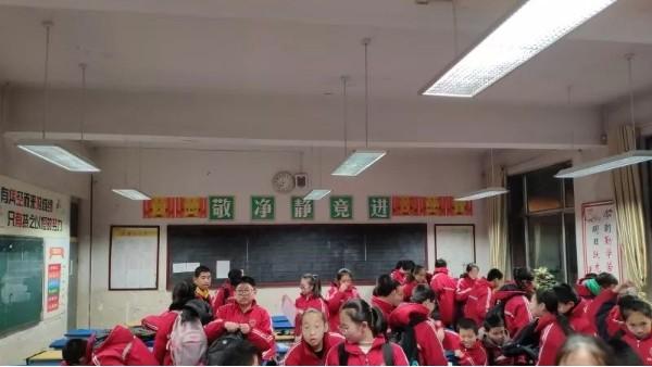 用健康之光守护成长,教室照明改造达标计划如火如荼进行~