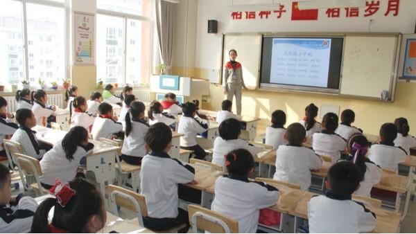 近视防控,教室照明选对LED护眼灯教室灯具有多重要?